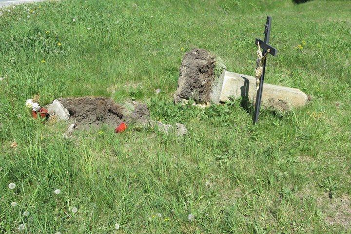 Na rozcestí stával kříž... Kdesi na severním Plzeňsku...